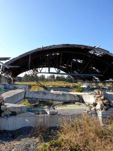 津波で全壊した元魚養殖場