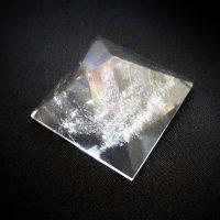 ピラミッド水晶